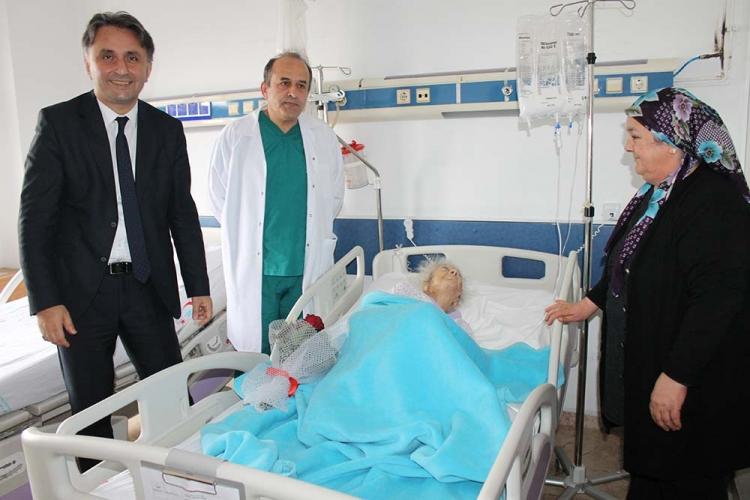 Yalova'da 108 Yaşındaki Hastaya Ameliyat Gerçekleştirildi