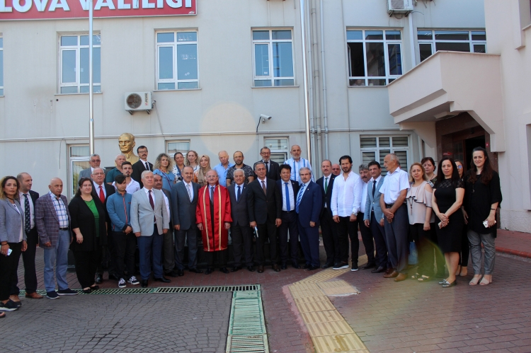 Yalova'da Yılın Ahisine Cübbe Giydirildi