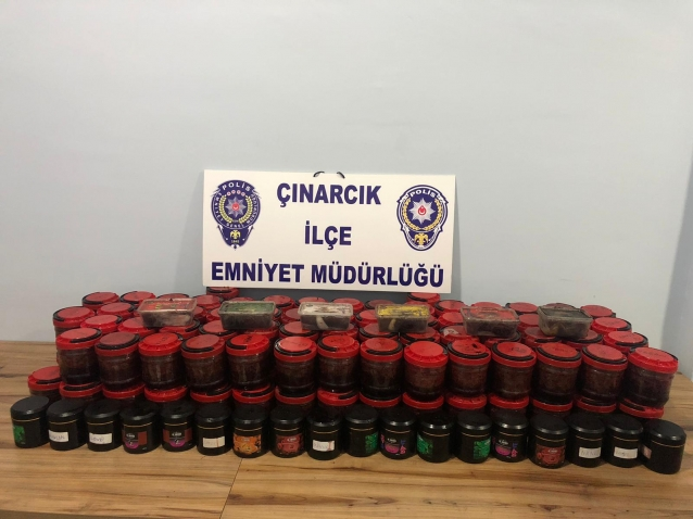 Yalova'da Bandrolsüz Tütün Yakalandı