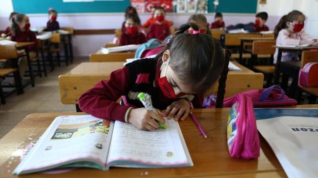 Yalova'da İlkokullarda Uzaktan Eğitime Geçildi