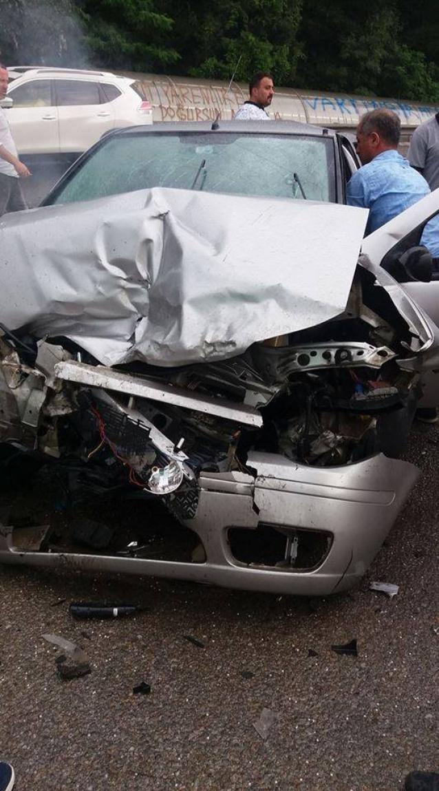 Yalova'da Trafik Kazası: 1 Ölü, 1 Yaralı