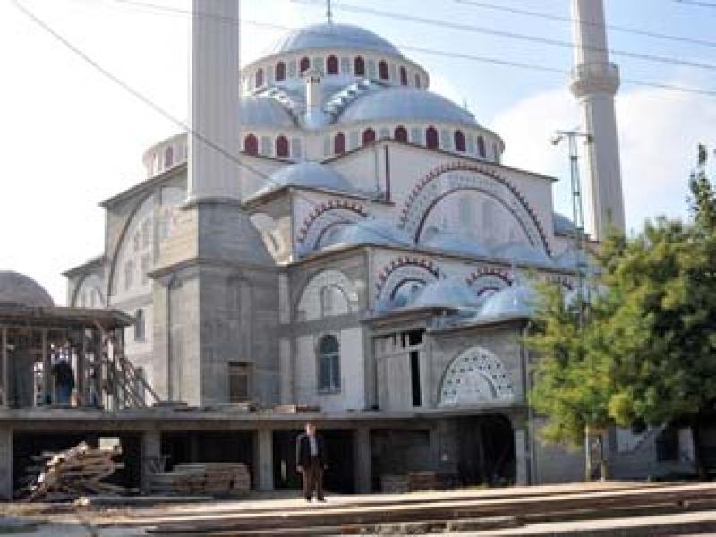 Yalova'nın En Büyük Camisi Yardım Bekliyor