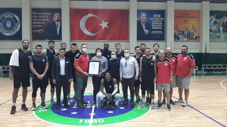 Yalovaspor Basketbol Takımı Turnuva Şampiyonu Oldu