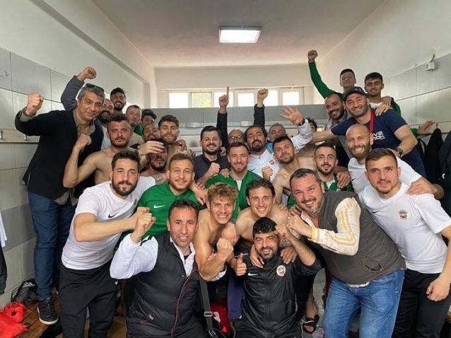 Yalovaspor TFF 3. Ligine Yükseldi
