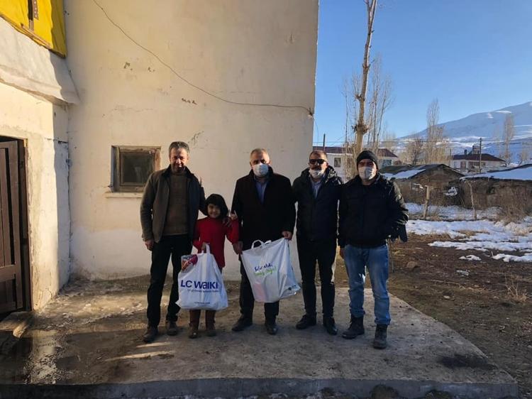 Yardımlar Erciş'e Ulaştı
