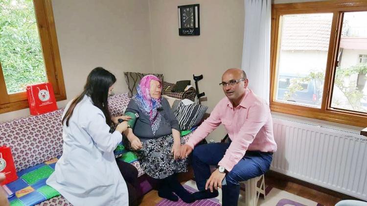 Yaşlı Ve Hastalara Evde Sağlık Hizmeti