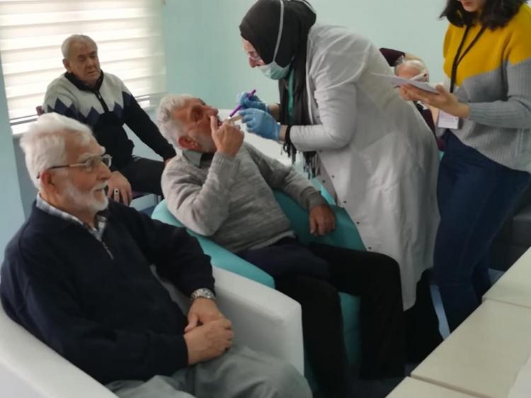 Yaşlılar Ağız Ve Diş Sağlığı Taramasından Geçti