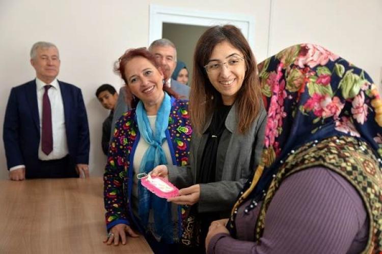 Yılmaz Sosyal Dayanışma Merkezini Ziyaret Etti