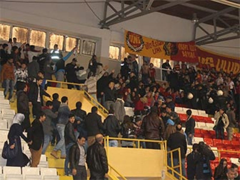 YOSK Galatasaray Maçında Olaylar Çıktı