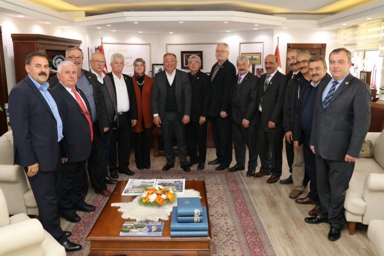 Muhtarlardan Başkan Salman'a Tebrik Ziyareti